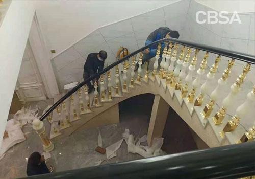 villa stair railing